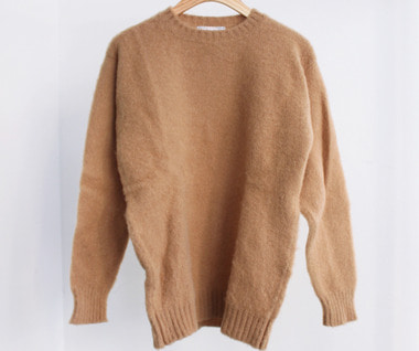 Shaggy Dog Crew Neck Sweater (Cashew)