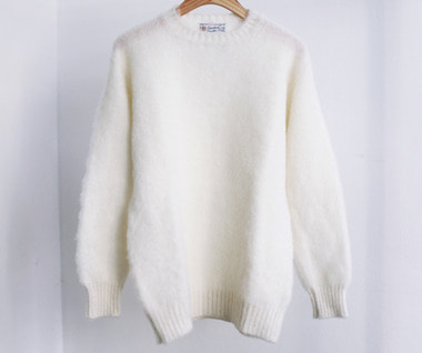 Shaggy Dog Crew Neck Sweater (Winter White)